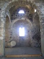 interno della cuba bizantina  - Castiglione di sicilia (5878 clic)