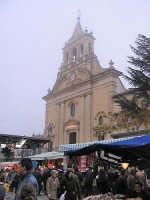 La festa della Madonna Immacolata, bancarelle nei pressi della Chiesa Madre  - Dagala del re (6868 clic)