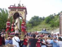 Il fercolo con San Filippo viene fatto roteare  - Limina (5855 clic)