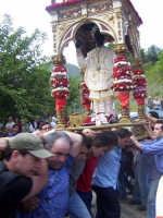 Il fercolo con San Filippo viene fatto roteare  - Limina (6089 clic)