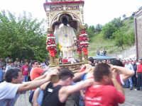 Il fercolo con San Filippo viene fatto roteare  - Limina (6639 clic)