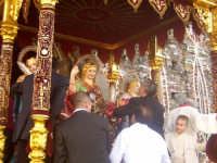 L'uscita del fercolo coi santi Alfio, Filadelfo e Cirino  - Sant'alfio (4019 clic)
