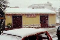 BAR PIZZO Nevicata febbraio 1996.  - Montagnareale (1966 clic)