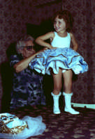 Lia Cottone vestita da verginella in occasione della festa in onore di M.S.S.D.Grazie.  - Montagnareale (2247 clic)