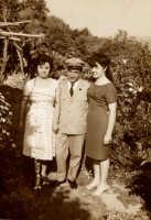 Vecchie foto:Egidia Santospirito,Basilio Palmeri e Rosina De Luca gaglio.  - Montagnareale (8502 clic)