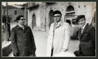 Vecchie foto:Mio Padre(a destra) con due funzionari della Regione Sicilia.  - Montagnareale (3718 clic)