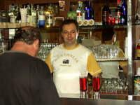 Bar Buzzanca-due Campari con spumante.Nuccio e Salvatore.P8133620  - Montagnareale (3605 clic)
