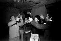 Vecchie foto:Don Antonio Pontillo Candido Blandano,Mario Cappadona e Mimmo Pontillo. Una delle tante schiticchiate organizzate nei locali del Municipio di Via Belvedere.  - Montagnareale (3922 clic)