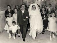 Vechie foto:Matrimonio Mario Spinella e Salvina Calabrò. La Sposa si avvia in Chiesa.  - Sorrentini di patti (7193 clic)