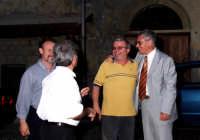 Da sin.Saverio Sidoti,Sebastiano Gianforte,Gianni Cappadona e Nino Casamento. Si discute di politica.  - Montagnareale (2988 clic)
