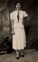 Mia Zia Nina Spinella,morta a Torino assieme a suo marito e i sui tre figlioletti sotto i bombardamenti alleati.  - Montagnareale (3450 clic)