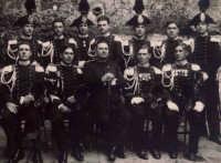 Vecchie foto:all'impiedi il primo a destra mio Zio Giuseppe Spinella.  - Montagnareale (3738 clic)