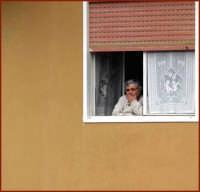 Alla finestra.  - Montagnareale (2726 clic)