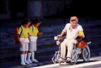 Il bravissimo Ugo Tognazzi sul set del film Amici miei atto II.  - Montagnareale (3347 clic)