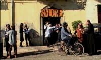 Davanti al barbiere,Don Tino Spatola.  - Montagnareale (3030 clic)