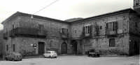 P.zza Matrice:U Palazzu.  - Montagnareale (2845 clic)