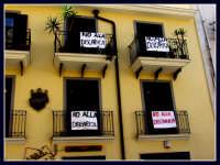 Manifestazione popolare contro la discarica. PERCHE' NON E' STATA ORGANIZZATA UNA MANIFESTAZIONE SIMILE CONTRO LE SUPERBOLLETTE DELL'ATO??!!.  - Patti (3158 clic)