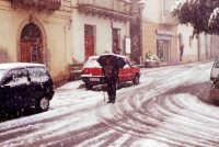 Don Filippo Pontillo sotto la neve.  - Montagnareale (3512 clic)