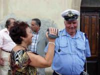 Pina Carro e il Vigile Buzzanca rosario.  - Montagnareale (3449 clic)