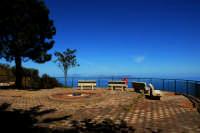 Sorrentini,belvedere;sullo sfondo le isole Eolie.  - Sorrentini di patti (4560 clic)