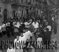 PHOTOVAZZANA-1964- Processione S.febronia Patti- con il vescovo Mons.Pullano  - Patti (7833 clic)