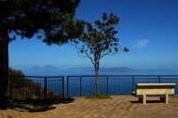 Sorrentini,belvedere;sullo sfondo le isole Eolie.  - Sorrentini di patti (8434 clic)