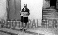 il prof tindaro Sidoti mentre legge il primo numero del Giornale Paese Nuovo   - Montagnareale (4871 clic)