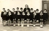 Vecchie foto:1° elementare classe 1955.  - Montagnareale (5124 clic)