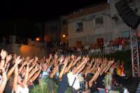 Il pubblico in delirio per gli Stadio. DSC_6401  - Montagnareale (3623 clic)