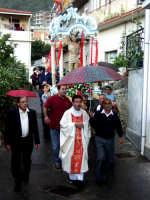S.Sebastiano sotto la pioggia;processione  - Montagnareale (2157 clic)
