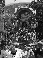 Archivio Vazzanana-1961/2247b-processione    - Montagnareale (3473 clic)