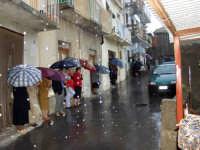 S.Sebastiano sotto la pioggia;processione.  - Montagnareale (2078 clic)