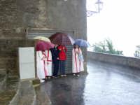 S.Sebastiano sotto la pioggia;processione.  - Montagnareale (2076 clic)