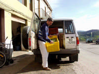 OLEIFICIO PALMERI:una macchina carica di olive. Metodo corretto di trasporto delle olive.  - Montagnareale (4407 clic)