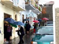 S.Sebastiano sotto la pioggia;processione.  - Montagnareale (1736 clic)