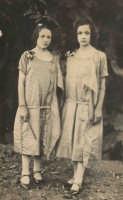 Vecchie foto:Pia Spatola e Ida Spatola.  - Montagnareale (3367 clic)