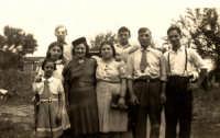 Vecchie foto:Rosa,Antonio,Giuseppe Buzzanca,Catena D'Amico Giando ecc.?  - Montagnareale (3269 clic)