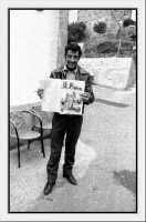 Distribuzione del giornalino. Antonio Cipriano.  - Montagnareale (3955 clic)