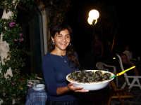 Giovanna Lena con un suo squisito piatto tipico.  - Montagnareale (3521 clic)