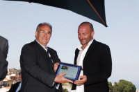 Il Sindaco di Montagnareale Antonino Sidoti consegna al Giornalista di LiberoAlessandro Dell'Orto il Premio Città di Montagnareale DSC_7498  - Montagnareale (4833 clic)