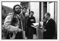 Distribuzione del Giornalino a S.Giuseppe. Da Sinistra,Nino Casamento,Antonio Milici,Antonio sidoti,?.  - Montagnareale (3433 clic)