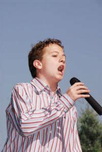 Il bravissimo Antonio Carro mentre canta L'Avemaria  - Montagnareale (2424 clic)