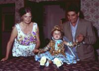 Lia Cottone vestita da verginella in occasione della festa in onore a M.S.S.D.grazie.  - Montagnareale (2276 clic)