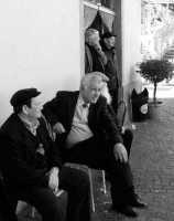 MONTAGNAREALE Davanti al bar Spinella,Franz Sidoti,Pizzo,Salvatore Bonfiglio,Pelleriti  - Montagnareale (4439 clic)