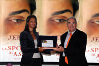La giornalista Rula jebreal viene premiata dal Sindaco di Montagnareale Antonino Sidoti. DSC_2383b  - Montagnareale (3180 clic)