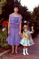 Lia Cottone vestita da verginella in occasione della festa in onore di M.S.S.D.Grazie.  - Montagnareale (2473 clic)
