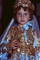 Lia Cottone vestita da verginella in occasione della festa in onore di M.S.S.D.Grazie.  - Montagnareale (2249 clic)