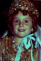 Lia Cottone vestita da verginella in occasione della festa in onore di M.S.S.D.Grazie.  - Montagnareale (2113 clic)