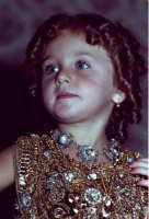 Lia Cottone vestita da verginella in occasione della festa in onore di M.S.S.D.Grazie.  - Montagnareale (2123 clic)