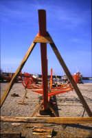 Costruzione di barche sulla spiaggia di Riposto. (2003)  - Riposto (3472 clic)